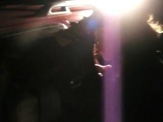 التدخين شقراء في سيارة مع الشرطة