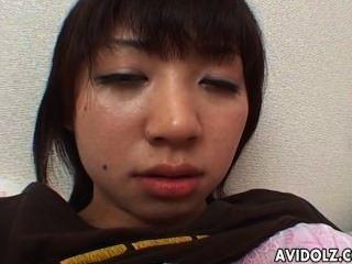 قرنية في سن المراهقة أصابع اليابانية لها انتزاع الرطب لذيذ