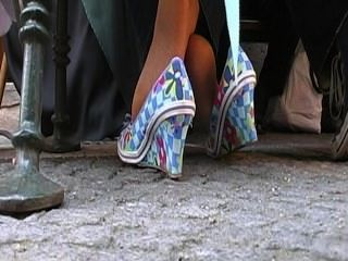 مسقي الطالبة أو مختلط الأنشطة أقدام سيدة ناضجة