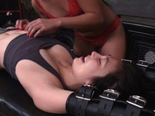 lickle الفتاة الآسيوية