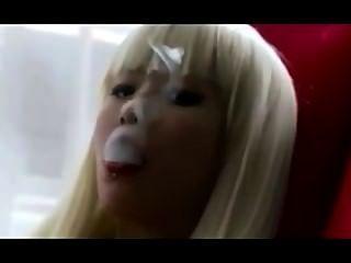 الآسيوية exhales_smoking صنم.