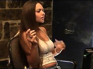 لين التدخين صنم.