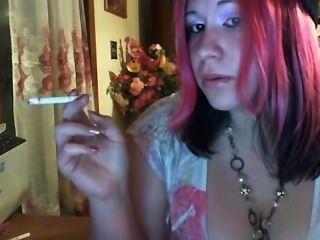 التدخين صنم فتاة 1.