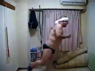 المثيرة قرنية الرقص الذكور اليابانية