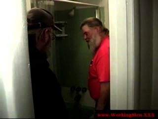 الدببة ناضجة dilf الاستحمام جديدة