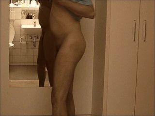nakedboy 01 pornhub 7c8a1 جيمي AT1 ايل ragazzo الاشتراكية presenta تأتي عارية ألو