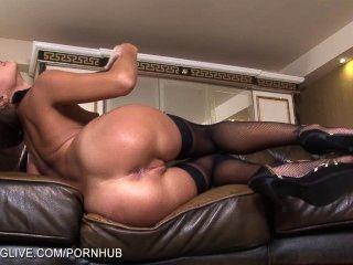 الروسية ماريا الجمال ميلينا اللعب مع بوسها في جوارب طويلة
