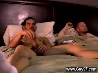 طرفة عين الجنس يتعامل مع نظيره تيار دافئ الخاصة بعد فترة وجيزة.