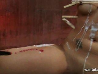 العلاج الكهربائي لالمربوطة، وتعادل فاتنة امرأة سمراء