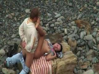 هواة ممارسة الجنس على الشاطئ