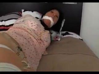 مثير فتاة عبودية assed في سراويل