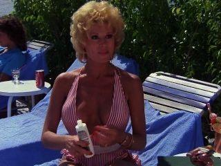 منتجع خاص ليزلي إيستربروك (1985)