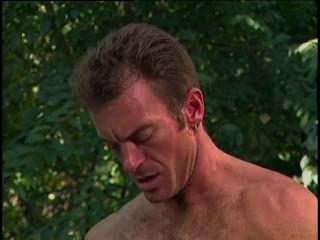 نموذج يمارس الجنس مع مصور لها في الغابة دانييل رودجرز