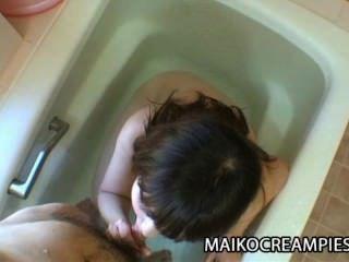 كاورو كورياما وحيدا حنين أمي اليابانية للعب الجنس ومن الصعب الديك