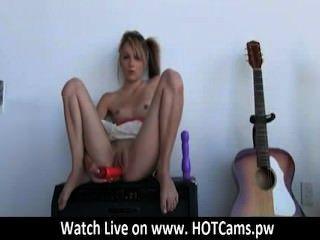 كام لكام وشم ايمو فتاة اللعب بوسها على كاميرا ويب www.hotcams.pw