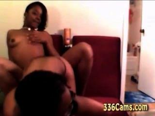 2 الساخنة مثير الفتيات السود إغاظة وتجريد واللعب على كاميرا ويب