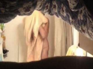 أمي الساخنة في الحمام