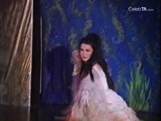 TALOR venesa في شاندرا فتاة الغابة