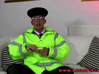 ناضجة في جوارب يريد الرجال شرطة الديك