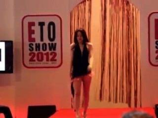 فرص التجارة الإلكترونية عرض أزياء مثير 2012 جزء 2