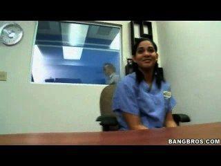 في سن المراهقة الهندي جميلة، لمزيد من أشرطة الفيديو زيارة cutt.us/i29e