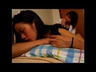 الآسيوية فتاة يعبد، حساس قليلا و / و