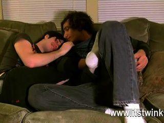 كان مثلي الجنس الاباحية تريستان على ما يبدو في حالة حب مع أقدام من أي وقت مضى منذ وثيقة
