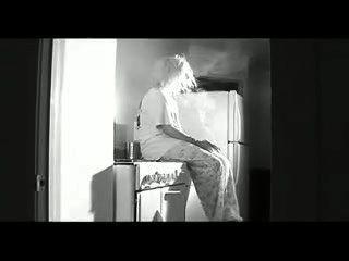التدخين ملاك جونو غير عارية