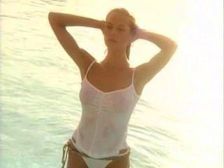 هايدي كلوم: ر الرطب قميص