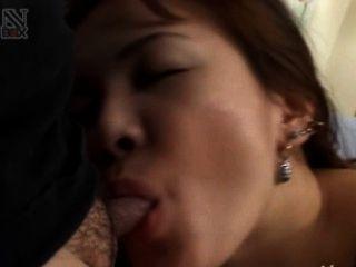 سخيف الآسيوية من طوكيو في غرفة فندق