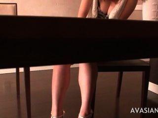 الفتيات اليابانية مشعر الحصول على النشوة الجنسية مكثفة