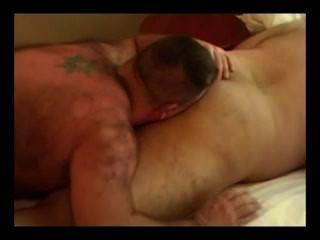 اثنين من الدببة الدهون الجنس الساخن
