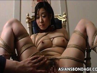 العبودية القاسية واللعنة دسار لفاتنة الآسيوية