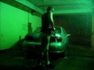 غسل سيارتي في حفاضات وقميص
