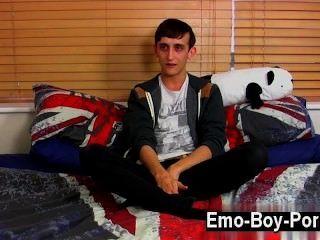 الساخنة مثلي الجنس 20 عاما جيك البرية القديمة هو الشاب ايمو البري الذي هو في