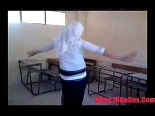 الرقص egypte موقع في المدرسة