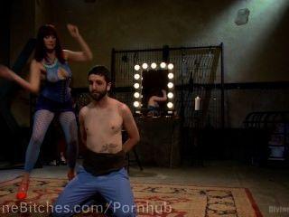 pussyboy المدربين لتمتص الديك