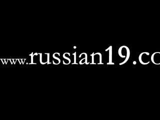 عرض حي على ما يرام من فتاة جميلة الروسية
