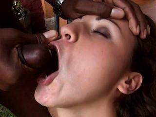 مجنون نائب الرئيس مدمن الفتاة تحصل على عصير أوريو لتناول طعام الغداء