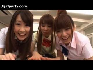 في سن المراهقة اليابانية تلميذات 492477