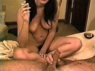 jayna يدخن التدخين الديك