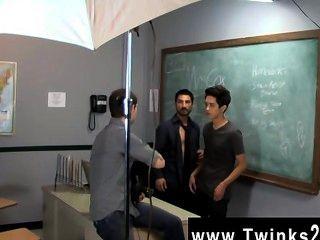 الديك مثلي الجنس مجرد يوم آخر في المكتب twinks تعليم!يساعد جايسون alcok